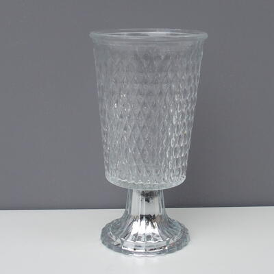 Vase mit Fuss